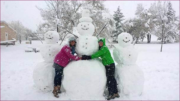 RTR volunteers and snowmen